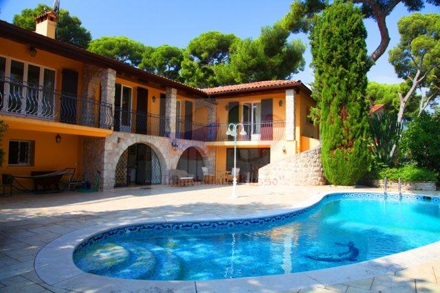 Недвижимость в испании франции италии
