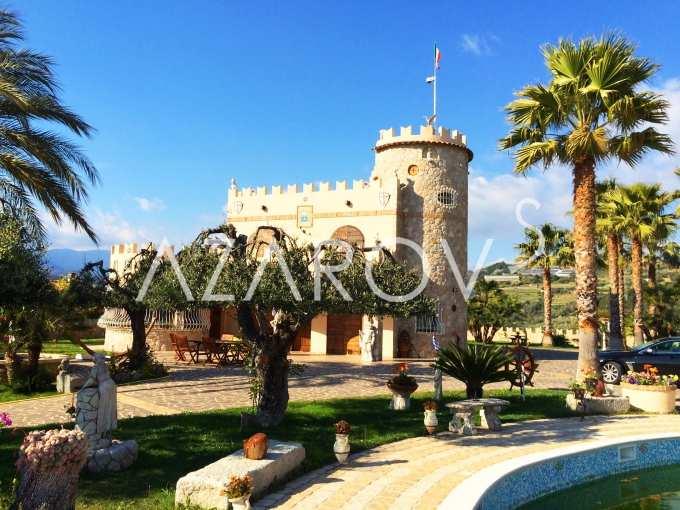италия замки купить