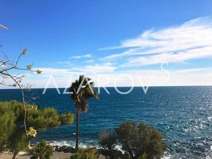 Buy a house in Ospedaletti on the beach vderevne